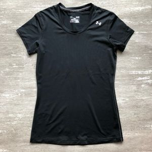 ⭐️S UNDER ARMOUR FITTED BLACK ATHLETIC TEE *SALE*